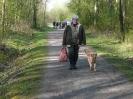Auf dem Weg zur Suche mit dem Wild für den nächsten Hund